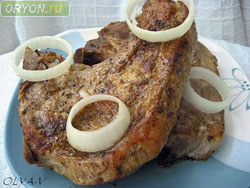 Заражение через плохо термически обработанные мясо, сало, яйца
